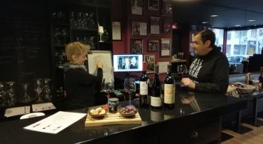 Virtual wine tasting Cinque wine deli bar Athens