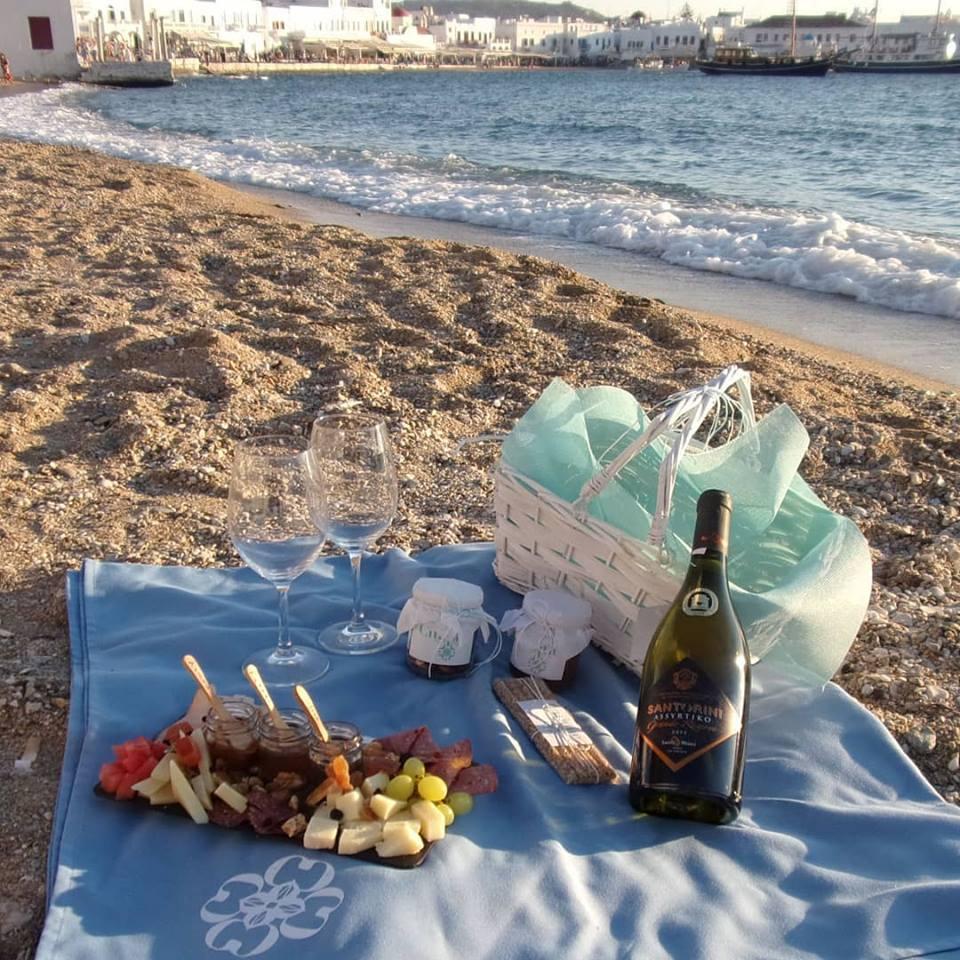 pic nic basket Cinque wine bar Athens